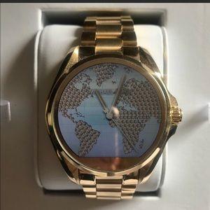MICHAEL KORS ACCESS .... Bradshaw Smartwatch